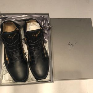 Giuseppe Zanotti black with gold zipper